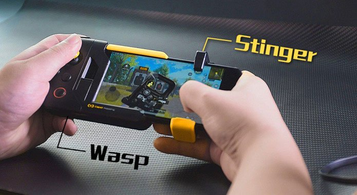 Flydigi Stinger with Wasp