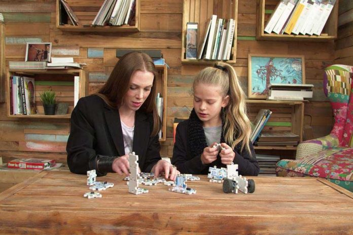 ActivePuzzle: The simplest robotics on earth