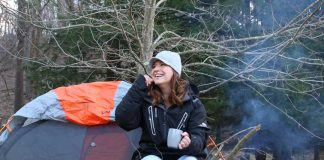 A girl enjoying outdoor with Packsture Jacket