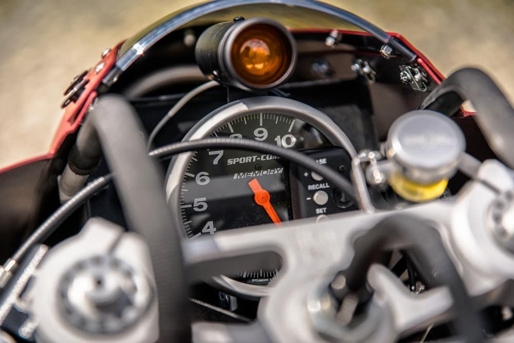 Racing dash and shift light(Credit: Indian Motorcycle)