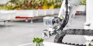 Iron Ox Farming robots tackle many of the task handled by human/ Image: Iron Ox