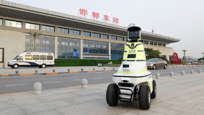 Patrolling robots are equipped with an automatic navigation