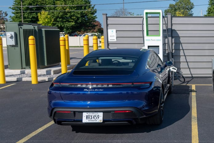 Electrify America's Open Network of Ultra-Fast DC Chargers, first to charge an 800-Volt electric vehicle battery at 270 kW. Credit: Electrify America