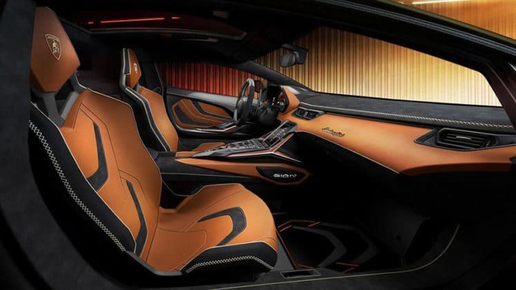 A superbly designed interior. Image Credit: Lamborghini