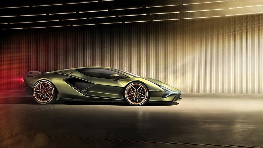The Sián features outrageous star-shaped rims. Image Credit: Lamborghini