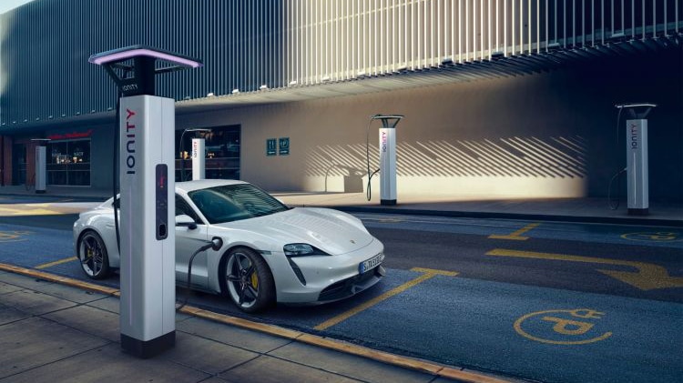 It is compatible with ultra-fast 800 volt recharge systems and up to 270 kW of power. Image Credit: Porsche