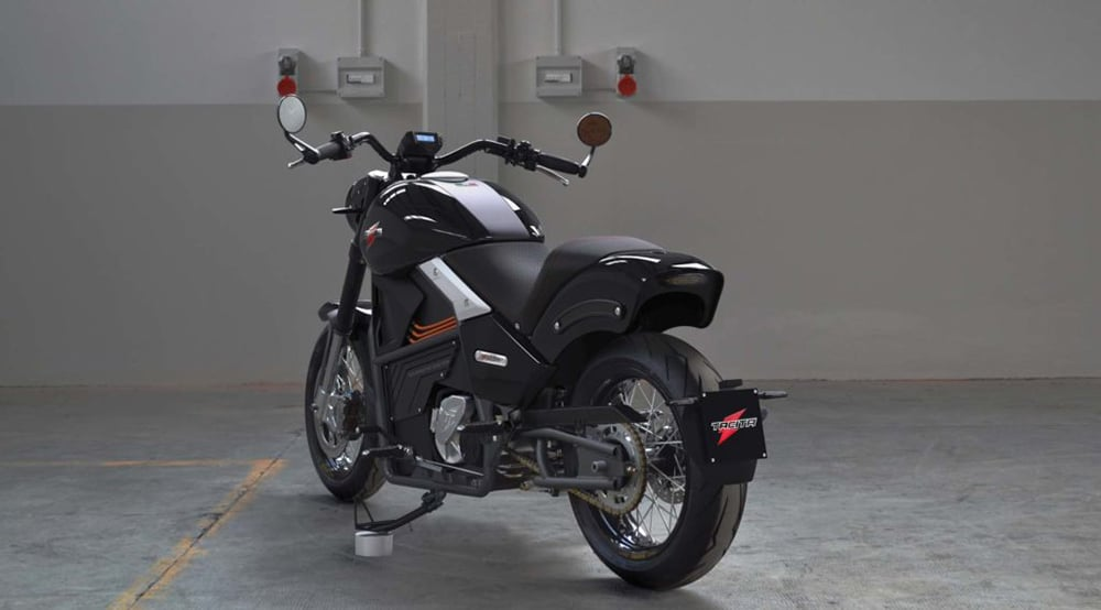 It is equipped with a 5-speed gearbox