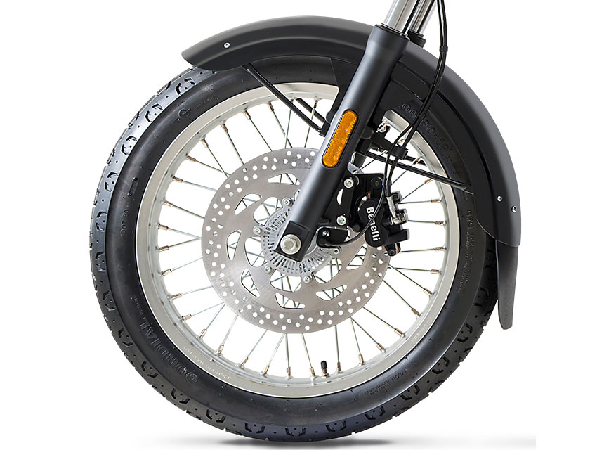 The effective and balanced braking system of the Imperiale 400