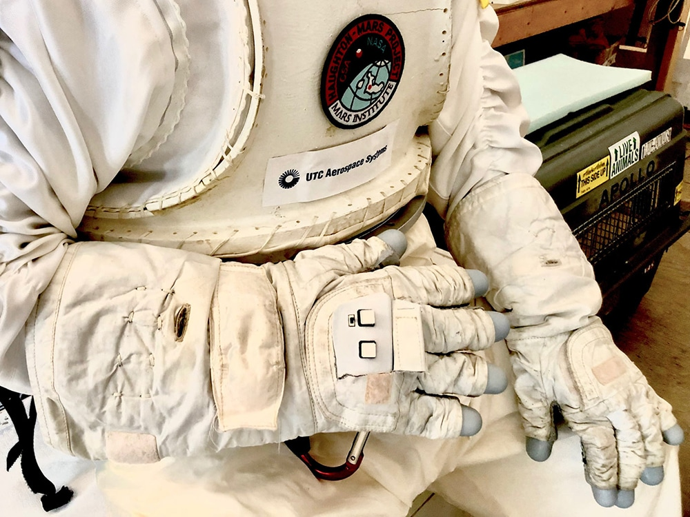 An Astronaut Smart Glove