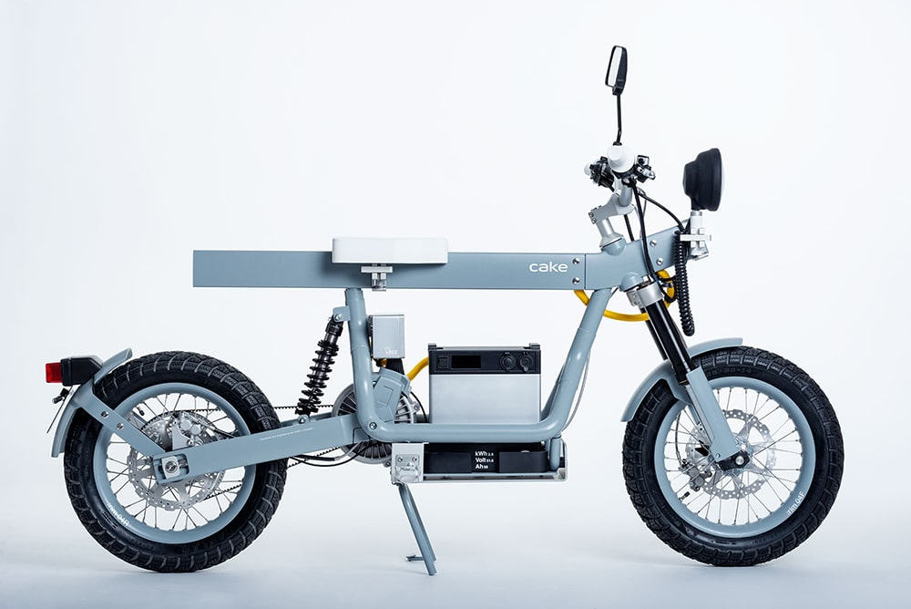 The Ösa Lite puts working bench & the power station on wheels.