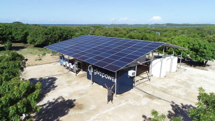 In Kenya, the precious solar energy plant makes ocean water drinkable