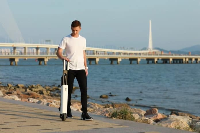 Mantour X: The Lightweight Foldable Self-Balancing E-Scooter