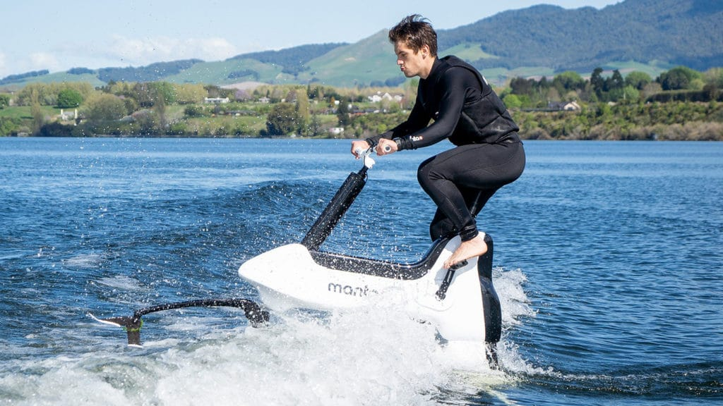 Manta5 Hydrofoiler XE-1, an electric bike to ride on water.