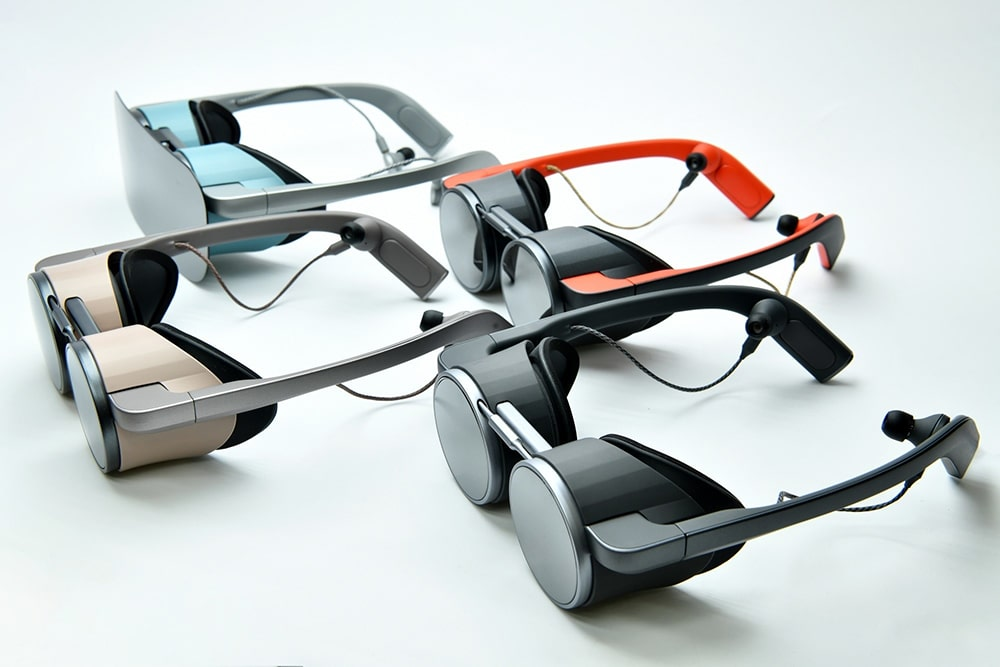 Using the device is as simple and convenient as ordinary sunglasses.