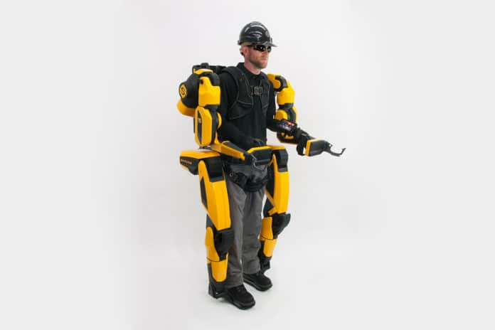 Sarcos Guardian XO exoskeleton enables an employee to lift up to 200 pounds.