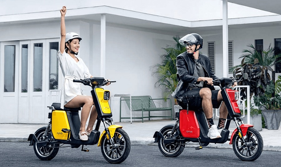 The electric mopeds are only enough for 1 person, but the shape is quite cute.