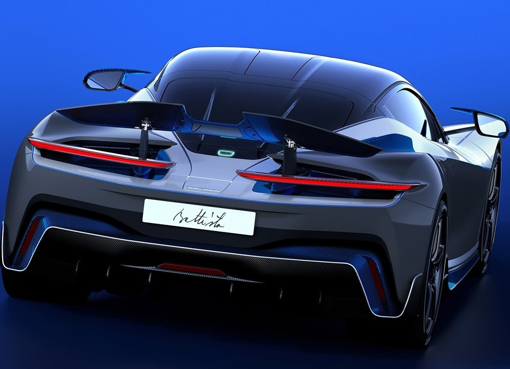 The hypercar features the rear wing and the aerodynamic appendages on the tail