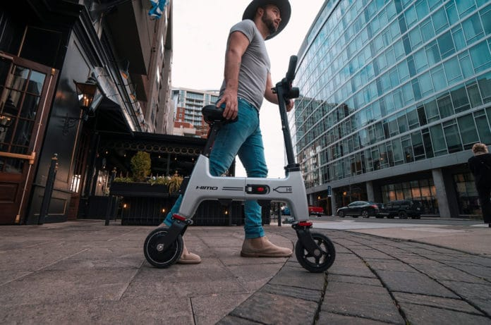 HiMo H1 foldable e-Bike fits in the backpack.