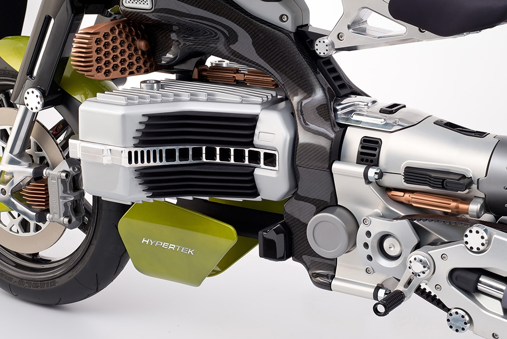 The 4.75 kWh battery is sufficient for a range of 300 kilometers.