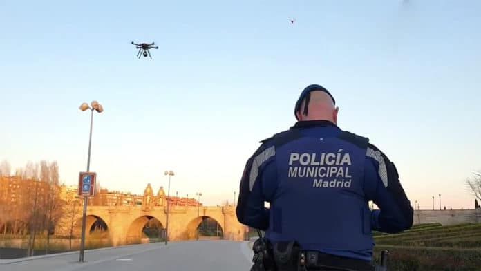 Spanish Police uses drones to urge people to go home