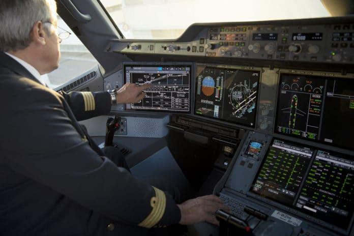 A350-cockpit-touchscreens