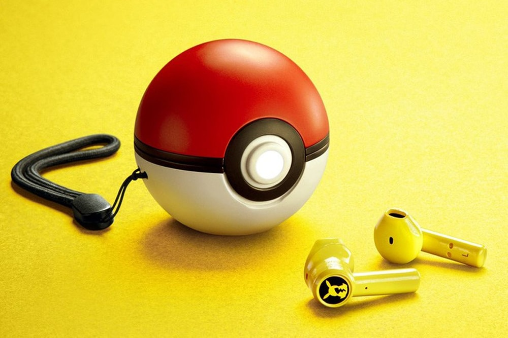 Poké Ball-shaped charging case