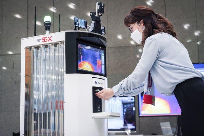 SK Telecom-Omron develop 5G-powered autonomous robot to fight COVID-19.