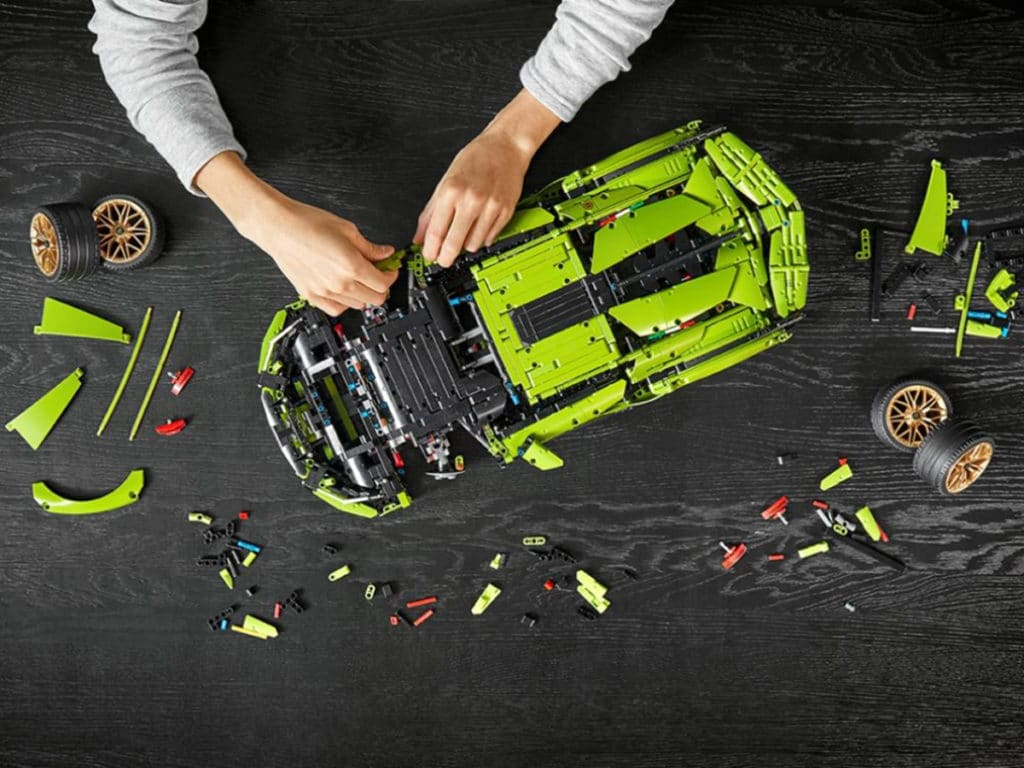 It comes with 3,696 parts that can be used to assemble the vehicle.