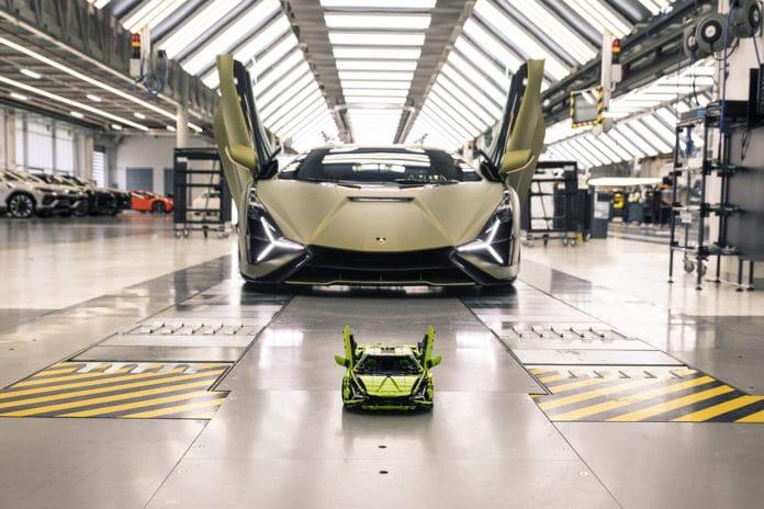 LEGO Technic launches kit to build a Lamborghini Sián FKP 37.
