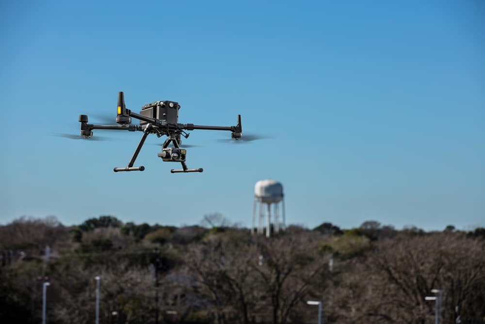 DJI engineered this all-in-one, high-tech solution to expand possibilities and exploit areas of work never explored before.