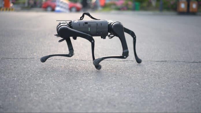 Startup Unitree presents A1, its latest quadruped robot.