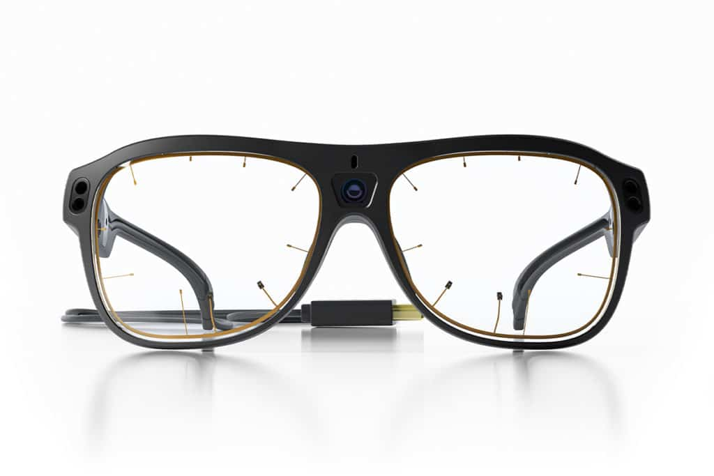 The design of Pro Glasses 3 is very comfortable, making them unobtrusive to wear.