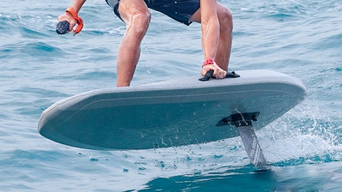 Waydoo Flyer ONE lets you carve through the water at an unbelievable 25mph.
