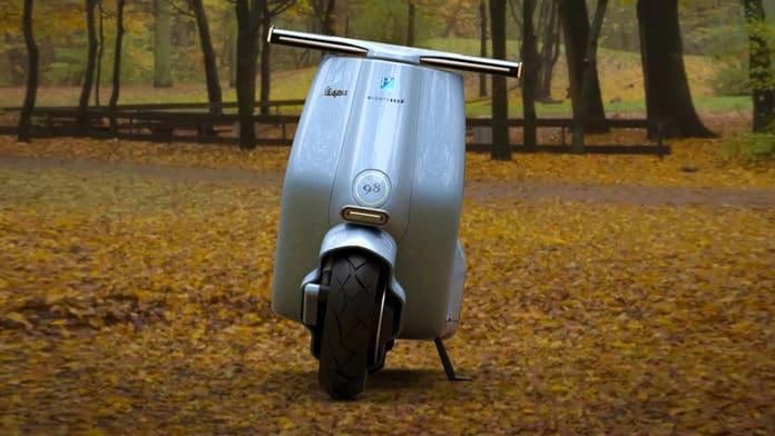 New Vespa 98 electric concept, a reincarnation of the original Vespa.