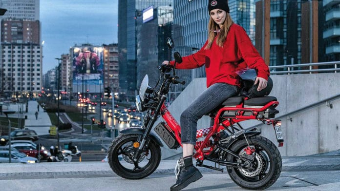 Garelli Ciclone E4, an electric with more power and removable battery.