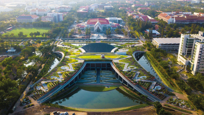 LANDPROCESS turns unused space into organic rooftop farm in Thailand.
