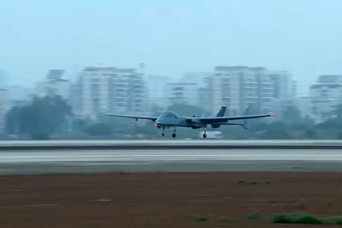 Israeli Heron becomes first UAV to land at an international airport.