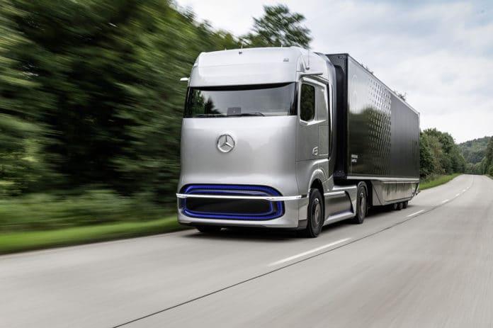 Daimler Trucks presents Mercedes-Benz GenH2 Truck, a fuel-cell truck.