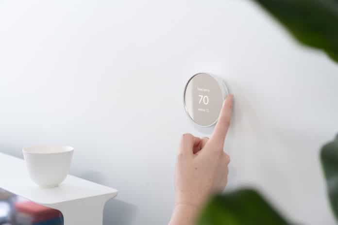 Google launches Nest Thermostat with simpler design and touch control.