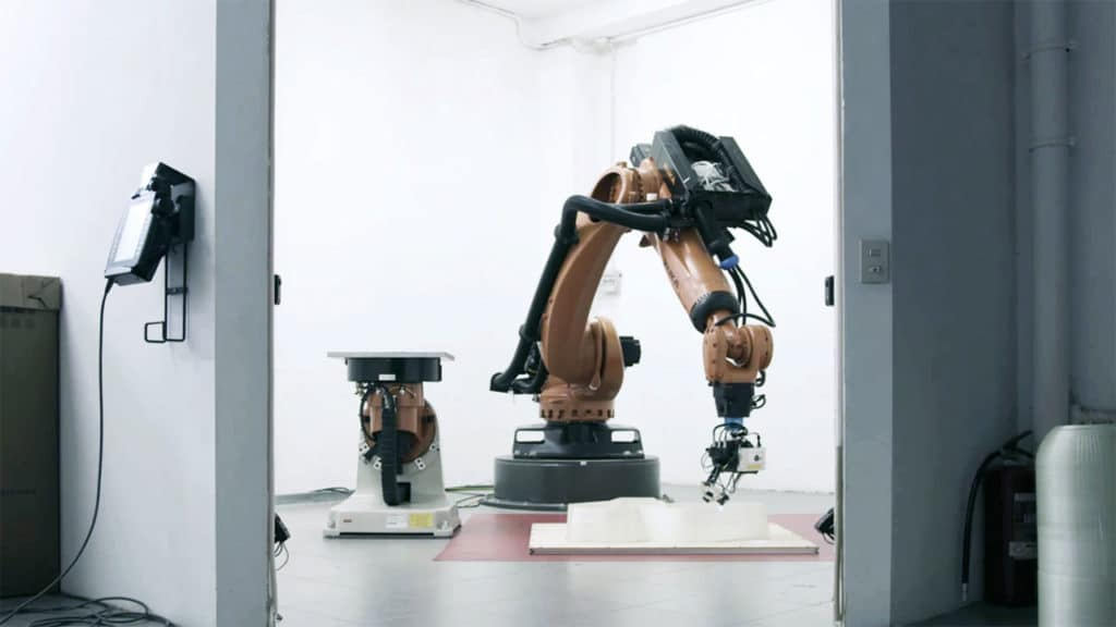 The various sections were printed using two KUKA Quantec High Accuracy robots in Milan.