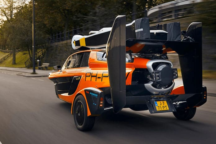 Flying Car PAL-V Liberty obtains permits to take to the streets in Europe.