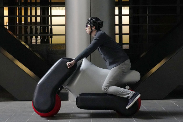 Poimo inflatable electric scooter now comes in custom-fit version.