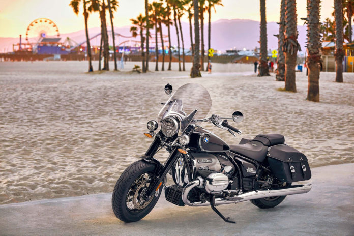 BMW Motorrad unveiled the Classic version of the BMW R18.