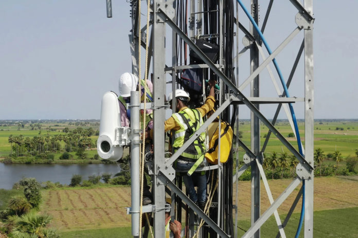 Piloting Taara's wireless optical communication links in Kenya.