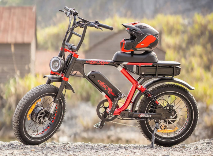 Ariel Rider Grizzly, an electric moped with dual-motor, dual-battery.