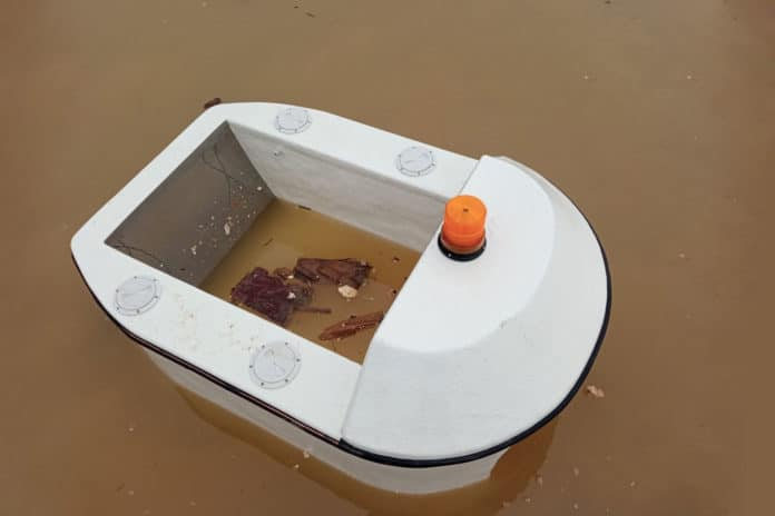 Clearbot, a solar-powered, marine trash collecting robot