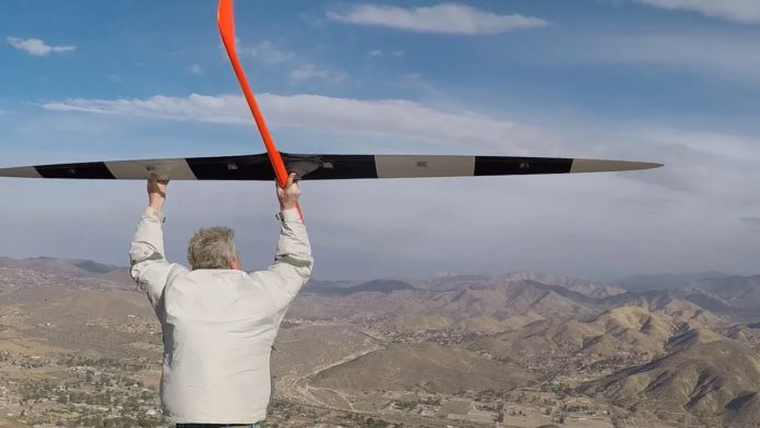 A radio-controlled glider sets a speed record at 548 mph, without a motor
