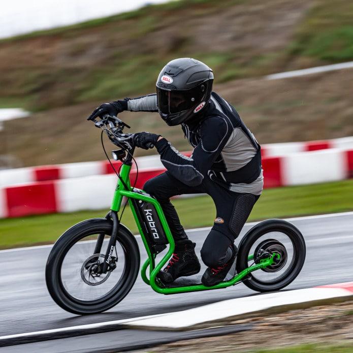 Kobra, an Italian e-scooter with big, beefy wheels and 100 km of range. Credit: Kobra