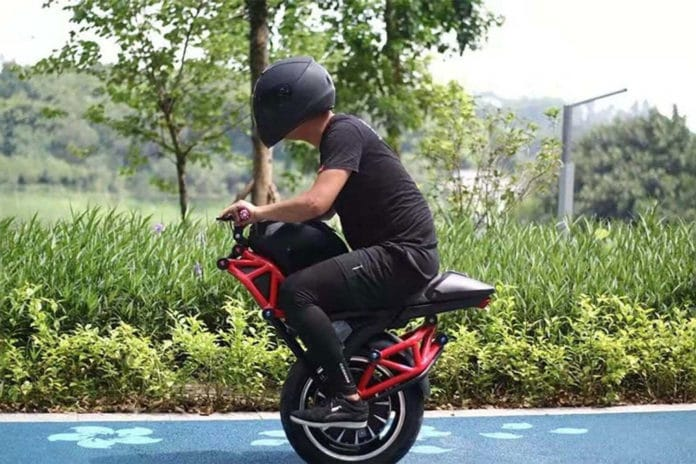 This weird one-wheeled electric motorcycle can hit a top speed of 48 km/h.
