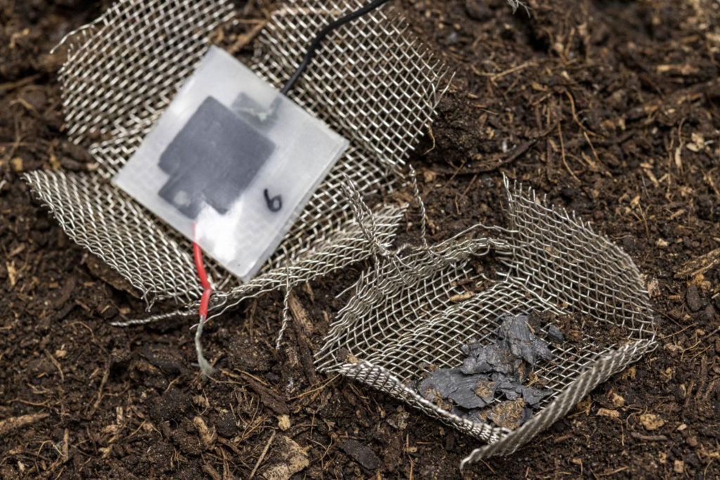 New biodegradable mini-capacitor for waste-free energy storage